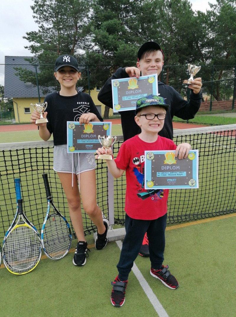Příměstský tenisový kemp pro děti od 4 do 15 let,  5 dnů (2-6.8.2021)