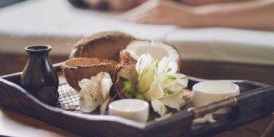 Masáž panenským kokosovým olejem (120min)